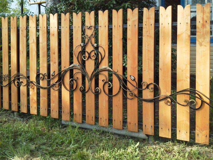 Ковка на забор из дерева ЗОК-4